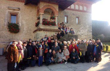 Peste 200 de pelerini din București și Ploiești la Sfânta Parascheva de la Iași